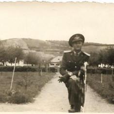 Fotografie ofiter roman aviatie poza veche romaneasca