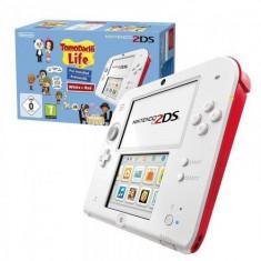 Consola Nintendo 2DS Special Edition alb / rosu + joc Tomodachi Life