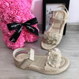 Cumpara ieftin Sandale crem bej elegante cu floricele pt fete / talpa moale 32 33 35 36