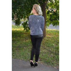 Bluza eleganta de culoare neagra cu buline albe marunte