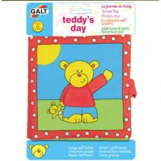 Carticica moale pentru bebelusi Galt Teddy's Day, 8 pagini amuzante