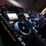 Inchiriez Pioneer CDJ 2000NXS2/ DJM 900NXS2