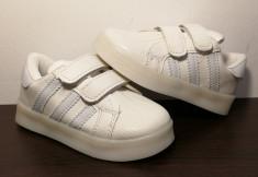 Adidasi cu impulsuri LED  - alb/alb cu arici/scai foto