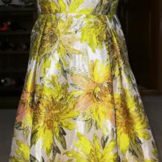 Rochie de gala, multicolora, predominant galbena