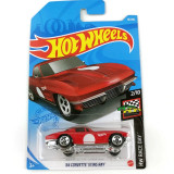 Hot Wheels Race Day: Mașinuță 64 Corvette Sting Ray, 1:64