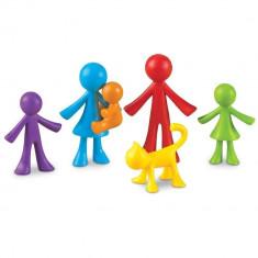 Set pentru sortat si numarat - Familia mea (72 piese) PlayLearn Toys