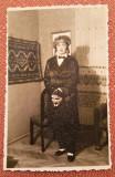 Tanara cu masca. Fotografie datata 1939 - Foto Daniel, Ramnicu Sarat