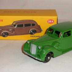 Macheta Packard Eight Sedan - Dinky Toys