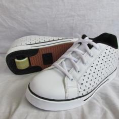 Adidasi / pantofi cu roti / role HEELYS originali, marime 38  (24 cm), Alb