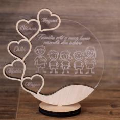 Trofeu din Plexiglas si Lemn Personalizat - 5 Membri ai familiei