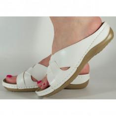 Saboti/Papuci medicinali albi cu platforma si gel pe talpa 154051