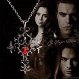 Pandantiv Colier Lantic  Vampire Diaries/Jurnalele Vampirilor