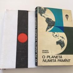 GEORGE GAMOW, 2 cărți- O PLANETĂ NUMITĂ PĂMÂNT și O STEA NUMITĂ SOARE