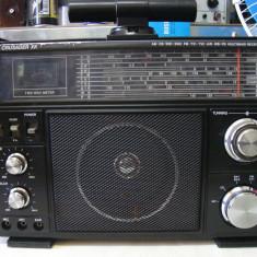 Radio CRUSADER XK Multi Band Receiver-vintage