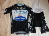 Lichidare ! echipament ciclism complet Quick Step set pantaloni tricou marime S