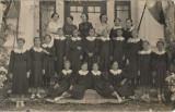 B259 Fotografie eleve fete scoala interbelica romaneasca poza veche