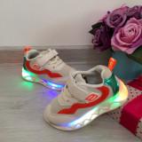 Adidasi bej cu luminite beculete LED pantofi usori moi pt copii baieti fete 24