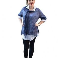 Bluza moderna, de culoare bleumarin, cu croiala asimetrica