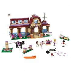 LEGOA® Friends Clubul de calarie din Heartlake 41126