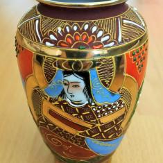 Vaza - portelan Japonia - coaja de ou - pictata manual - Sogun