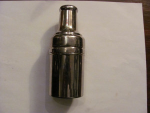 GE - Sticla veche parfum in etui metalic (inox)
