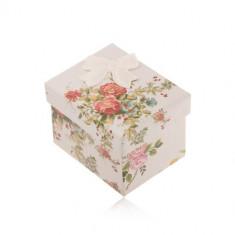 Cutie de cadou pentru inel, cercei sau pandantiv, flori colorate, fundiță