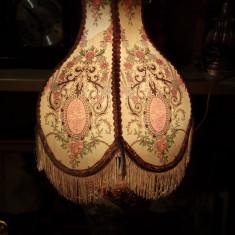 Impozant lampadar,veioza antica in stil chinezesc pictata integral manual