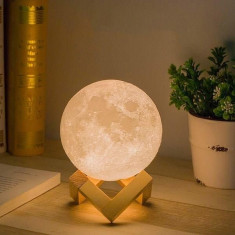 Lampa Moon 3D cu suport de lemn