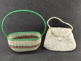 2 Obiecte vechi : Cos cumparaturi vechi si Poseta veche femeie. Obiecte decor!