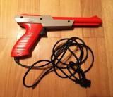 Cumpara ieftin Pistol Nintendo Zapper NES-005 1985, portocaliu