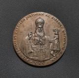 Medalie rara Patriarhul Justinian 1973 - bronz argintat