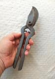 Foarfeca veche pentru vita de vie, foarfeca lucrata manual - scule unelte vechi