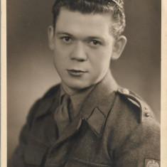 Soldat circa Al Razboi Mondial fotografie veche
