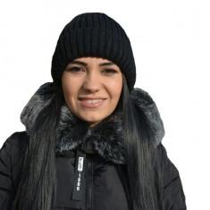 Caciula tricotata de iarna de culoare neagra cu blanita in interior