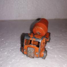 bnk jc  Matchbox 26a E.R.F Cement Mixer