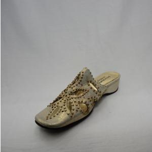 Papuc de primavara-vara, aurie, design floral din decupaje