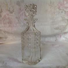 Flacon vechi pt parfum, cristal gros fatetat manual