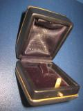 6341-Cutie vintage Bijuterii araba vinilin, stare buna, noua.