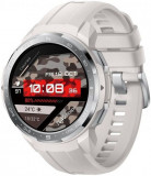 Smartwatch Honor Watch GS Pro, Display AMOLED 1.39inch, 32MB RAM, 4GB Flash, Bluetooth, GPS, Bratara Silicon 48mm, Rezistent la apa, Android/iOS (Alb)