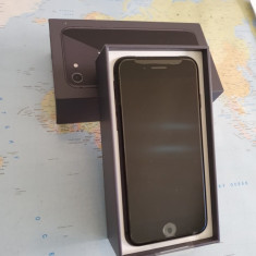 iPhone 8 NOU 64Gb+5 huse