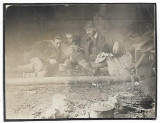 C1857 Vanatori cu trofeu cocos de munte la masa 1920 Transilvania interbelica