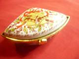 Cutiuta-Caseta Vintage din portelan cu rama metal aurit -pictata manual -Craciun