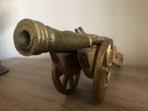 Tun vechi,englezesc ,din bronz