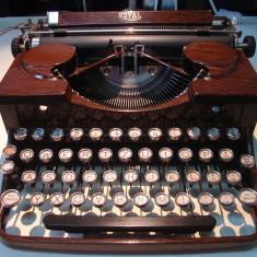 Masina de scris ROYAL vintage 1930(made in USA)+banda noua de scris