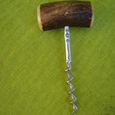 Tirbuson suedez cu maner din corn de ren