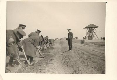 B1404 Militari romani lucru la drum poza veche romaneasca interbelica foto
