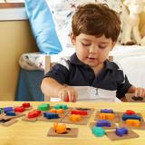 Puzzle incastru diferite forme.
