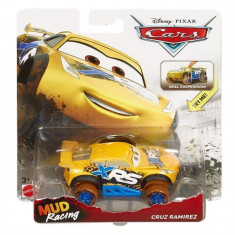 Jucarie Mattel Cars Mud Racing Cruz Ramirez