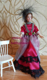 "Papusa portelan miniatura la scara ""Lady in Red"""