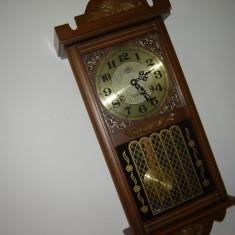 Pendula de perete ceas mecanic marca BEACON